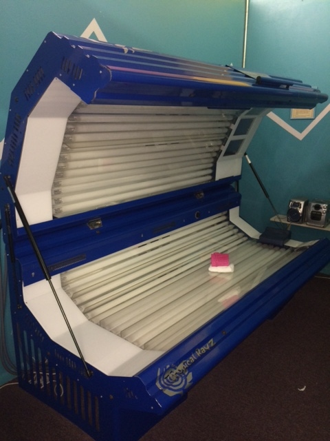 wide body style used tanning bed